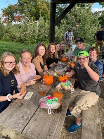 Friends Club Trip to Apple Farm